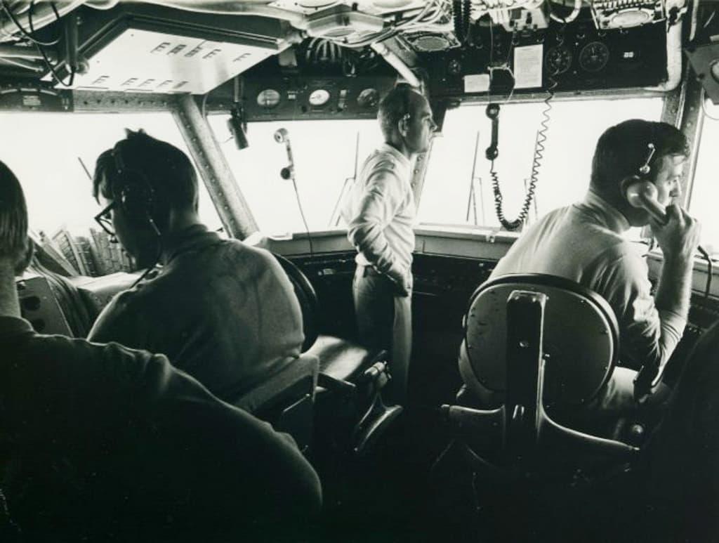 رسالة استنجاد من قائد فيتنامي إلى سفينة حربية أميركية