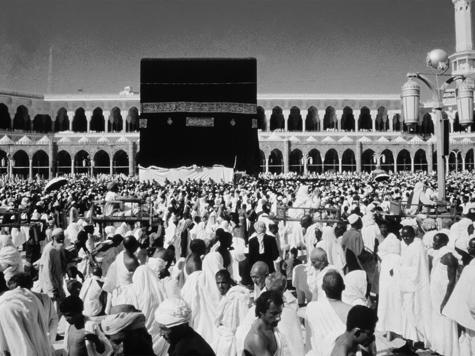 مكة مدينة لا تتوب عن الدوران