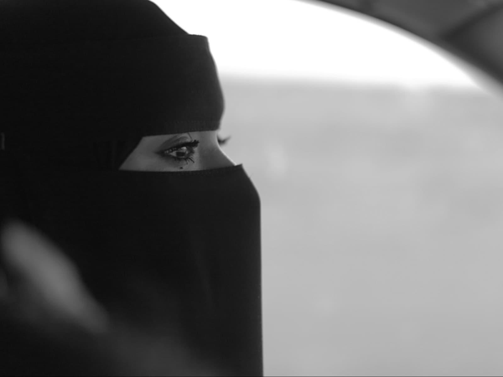 سعادة قبل رفع حظر قيادة المرأة السعودية