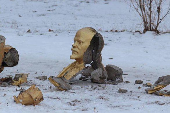 الشيوعية المستحيلة: برتراند رسل في مواجهة لينين