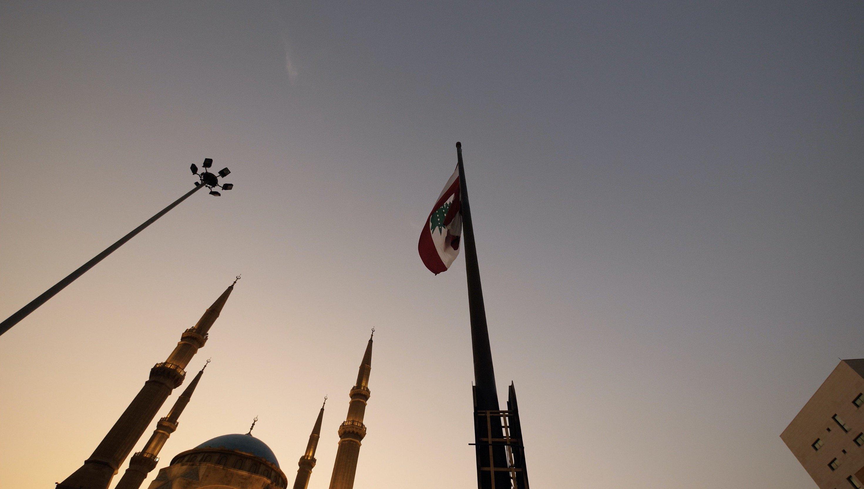 ماذا يحدث في لبنان ؟