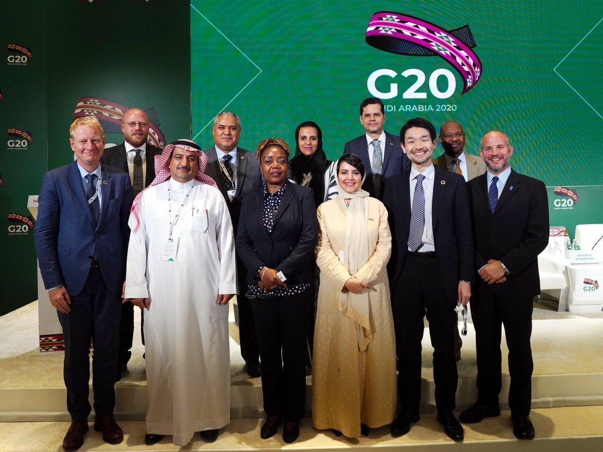 """قمة مجموعة العشرين في الرياض: """"ألوان السدو"""" ترسم اجتماع مجلس اقتصاد العالم وأمنه"""